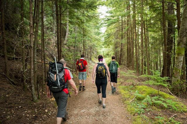 Outdoor-Hiking-GPS-Tracker-device.jpg